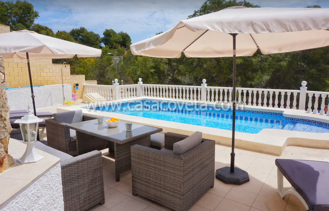 Villa Mar y Cielo is a beautiful Luxury residence located in an ideal location. Ref. 556