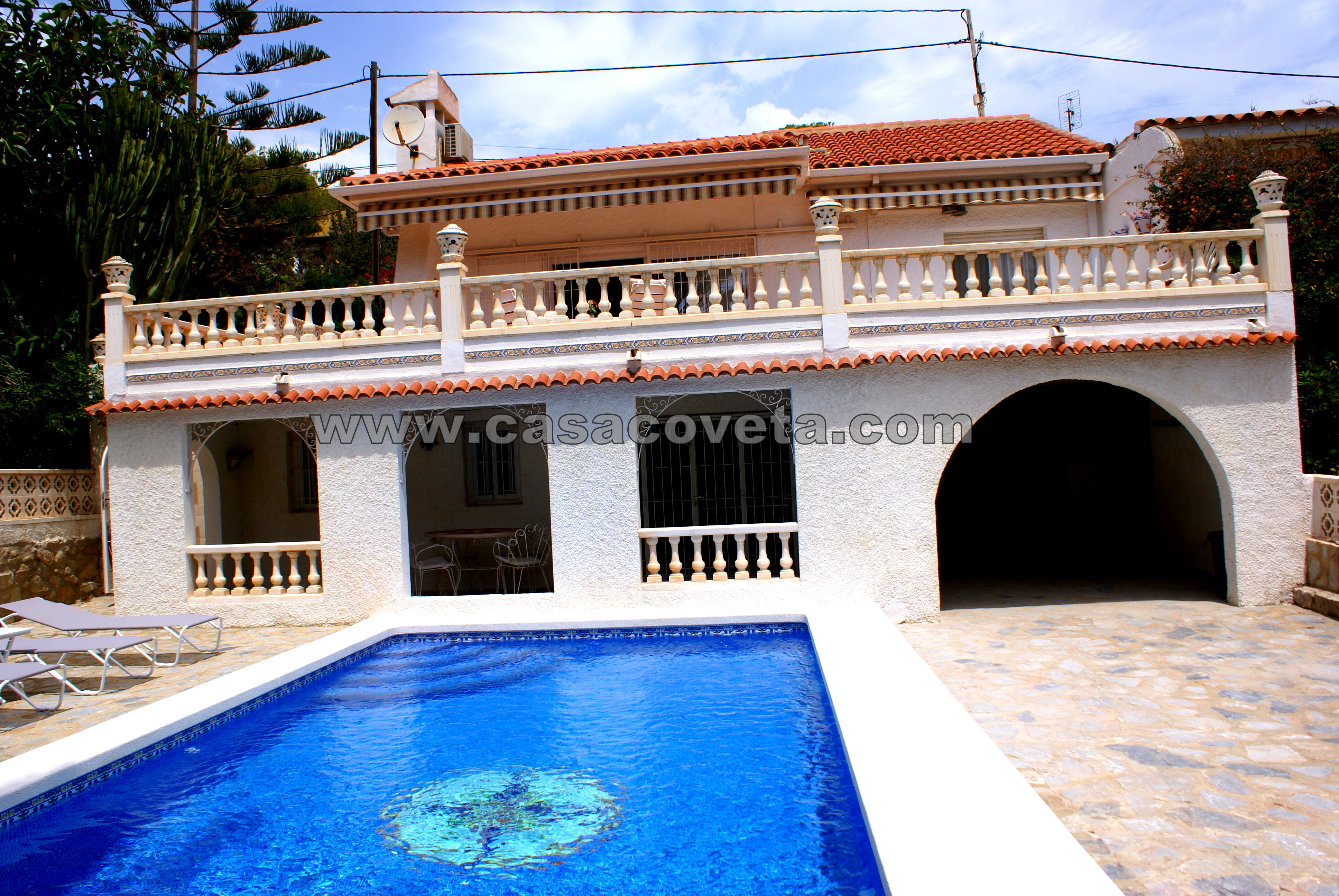 Villa with sea views, pool, 4 bedrooms with air conditioning and an independent apartment with air conditioning Ref: 454