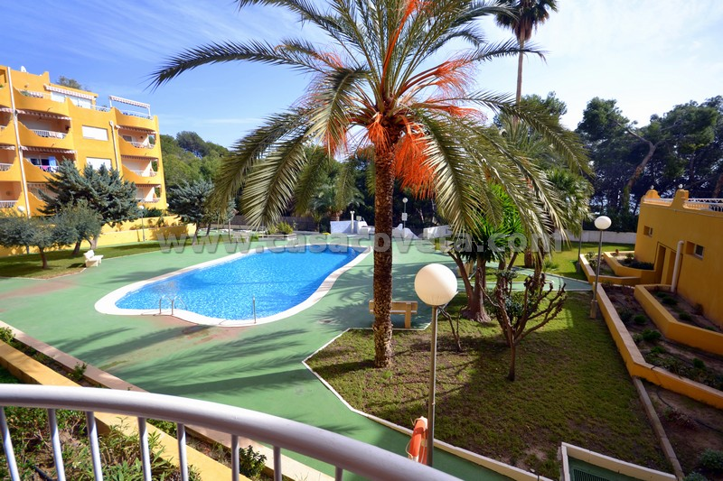 Beautiful , 1- 4 persons groundfloor apartment for rent in El Campello. Right on the coast. (Costa Blanca) 20 minutes from Benidorm and Alicante. Ref: 507