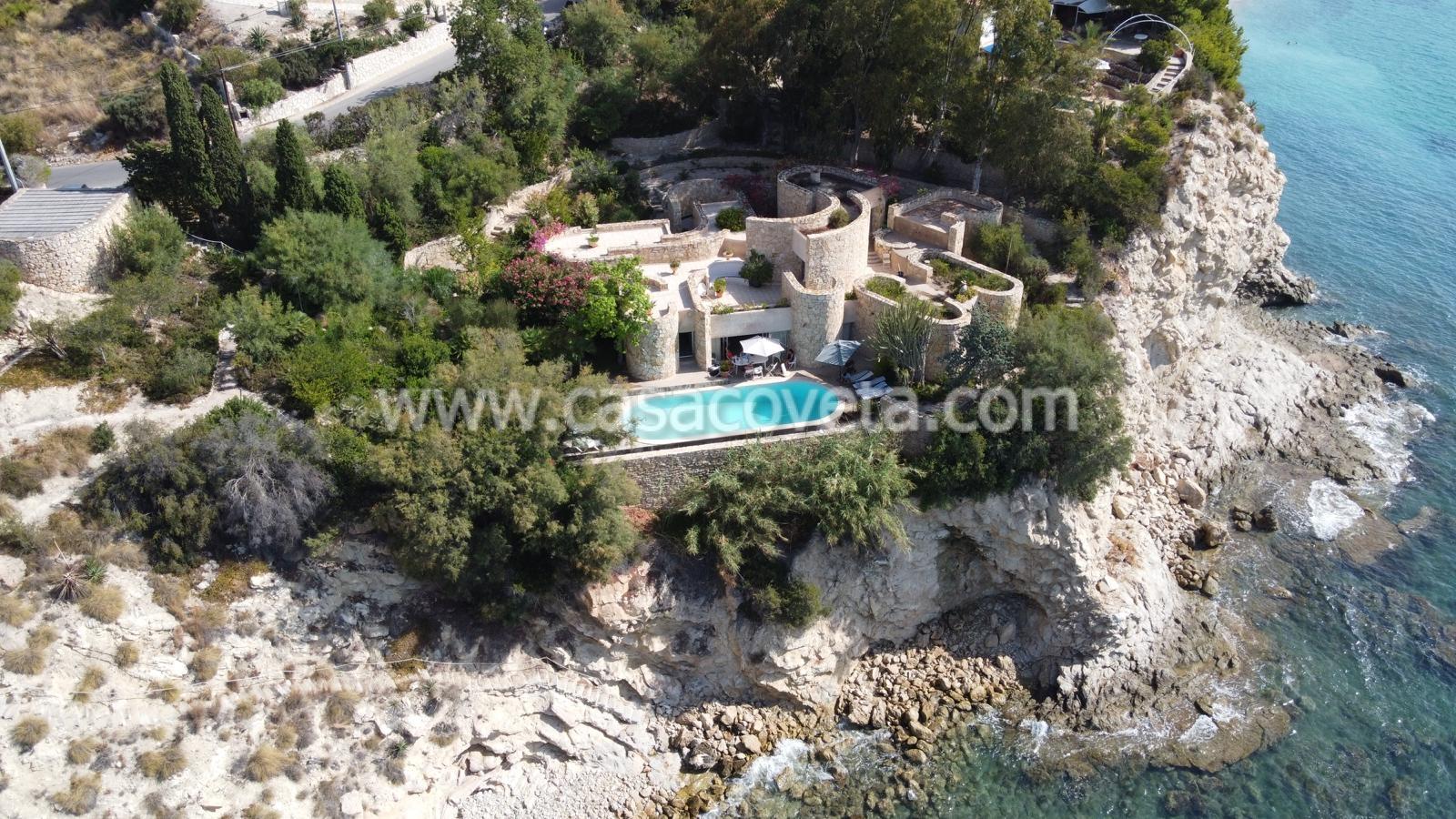 Schöne Villa aus Naturstein auf einem schönen großen Grundstück mit Pool mit Blick auf das Mittelmeer Ref. 531