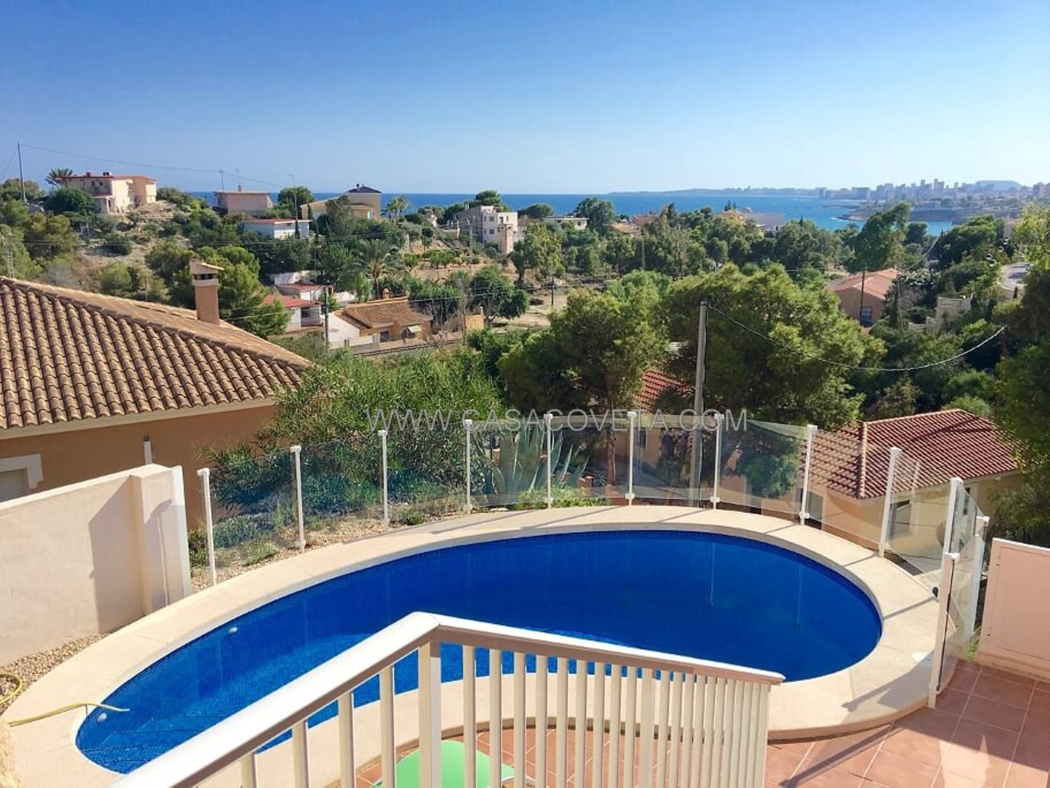 Enjoy a relaxing holiday with family and friends in Villa La Cabana. HEATED POOL Ref 569