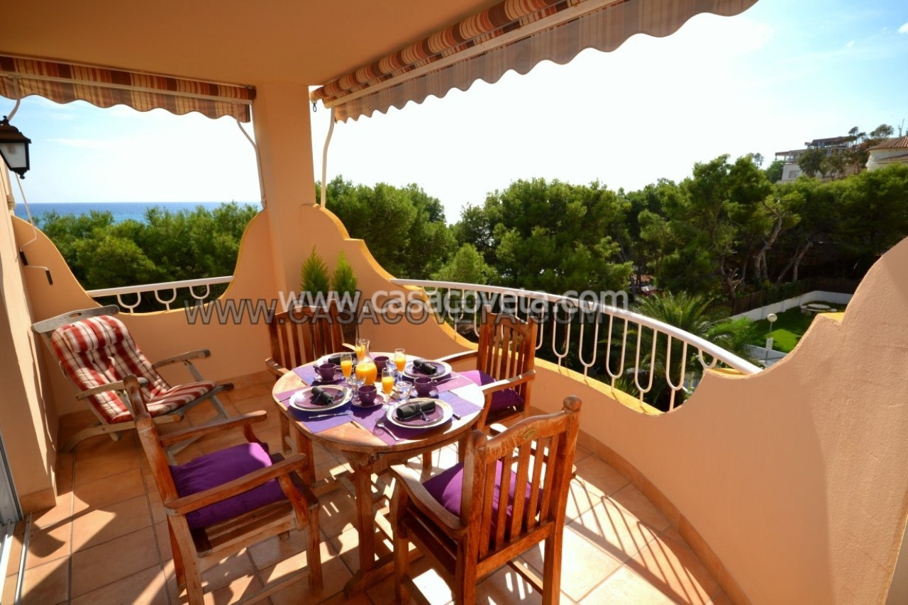3 bedroom apartment ideal for family holiday with a resort pool. Ref. 570