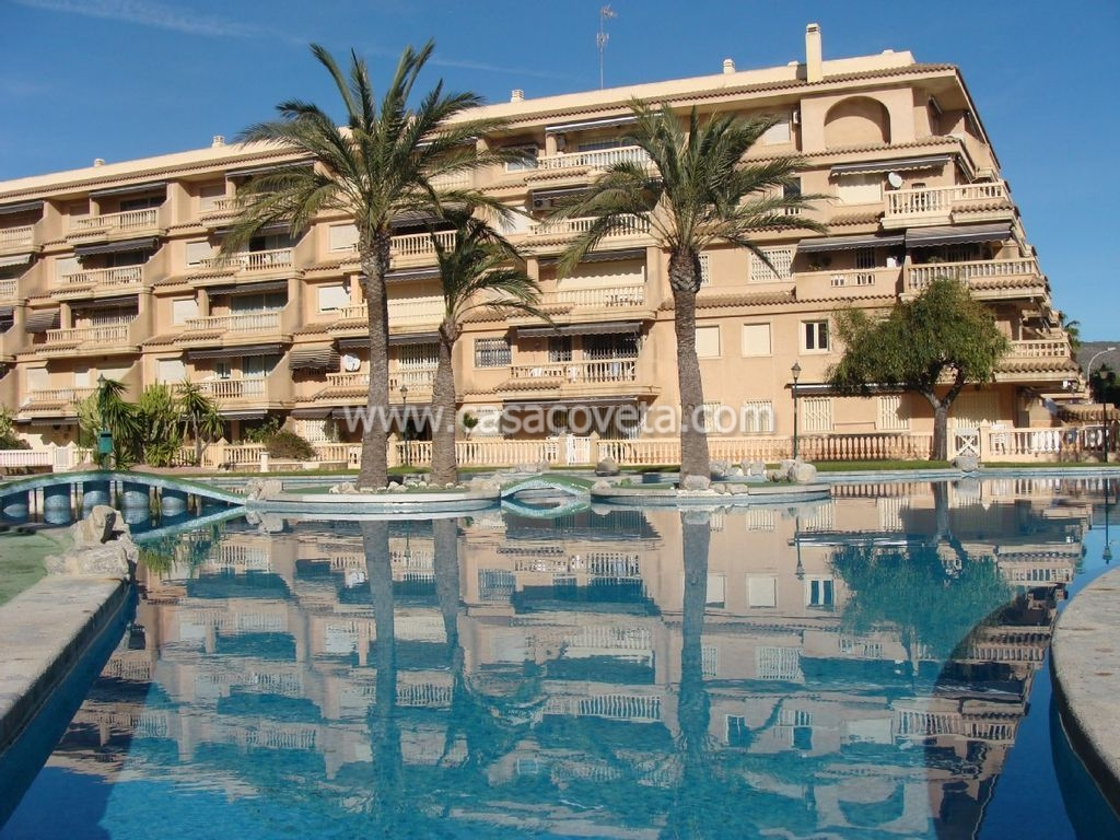 Modern apartment with great pool, next to harbour, boulevard and beach in El Campello Ref.523