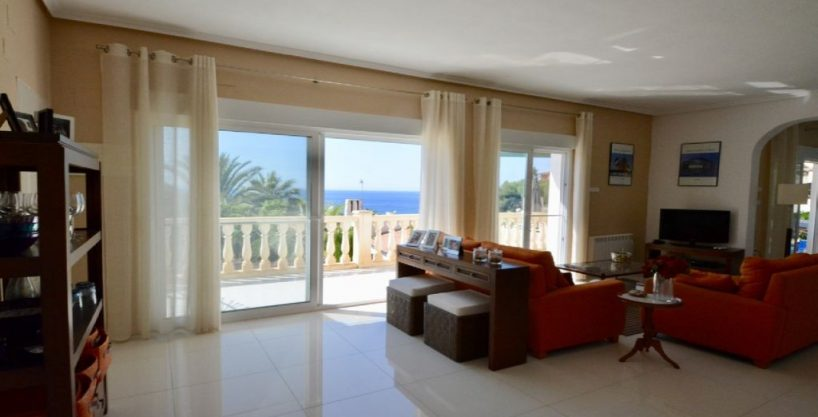 Lovely villa, unique sea view and private pool on the sun-drenched Costa Blanca en El Campello Ref.566