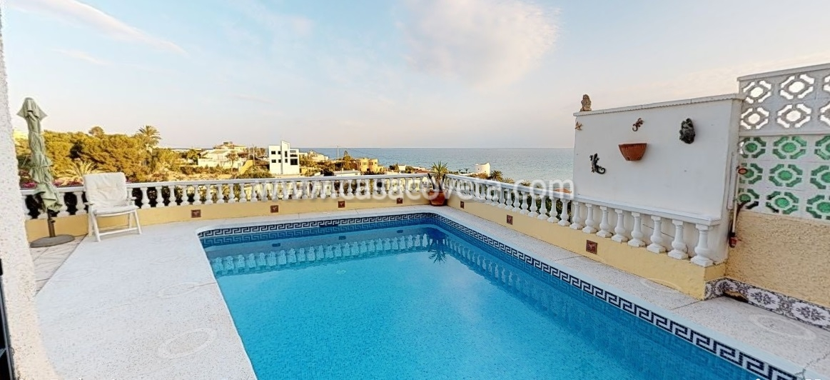 This villa is really a beautiful house in the sun! Ref. 578